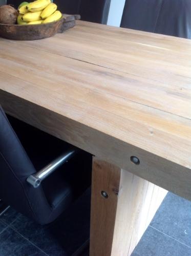 Strakke houten eetkamertafel door Woodstack