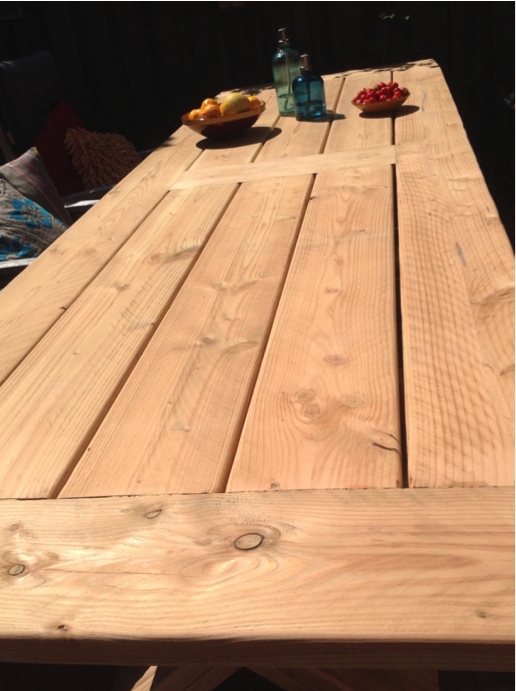 Douglas houten buitentafel door Woodstack Breda