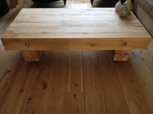 Eiken houten salontafel door Woodstack Breda